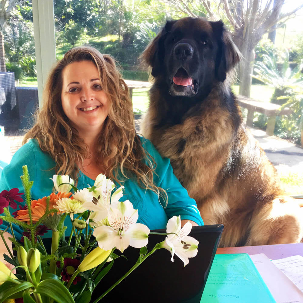 ❤️ This is a photo of me with Phantom, 2018. He was one cool customer. At 60kg's, Phantom was a BIG soft teddy bear, who had an avocado addiction! His love for avocados lead me to write the book, Boo goes Tutti Frutti.
