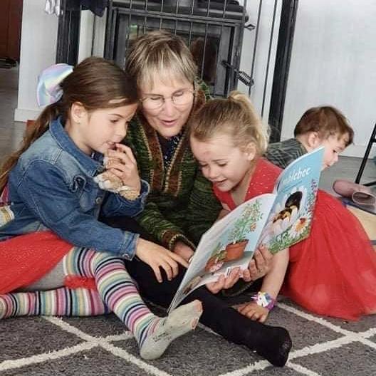 Angie Belcher Teacher & Writer